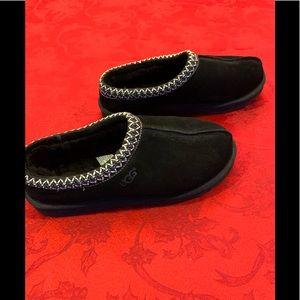 14cd02e866f Ugg men's Tasman black slipper shoe 5950 size 11